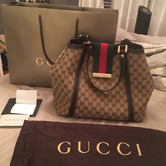 7be3f1a47 Gucci Handbags - Authentic Gucci bag for sale. excellent condition.